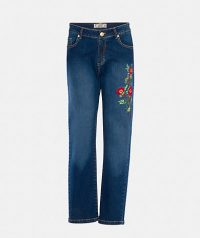 Embroidered capri jeans with pockets, belt loops and concealed zip with button fastening