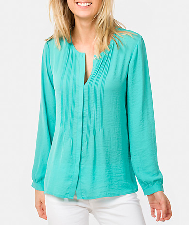 Pintucked blouse with a round neckline and button fastening, long-sleeve, button cuff and loose fit