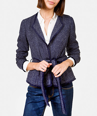 Tweed jacket with belt and fringes. Tailored fit, long-sleeve and lined