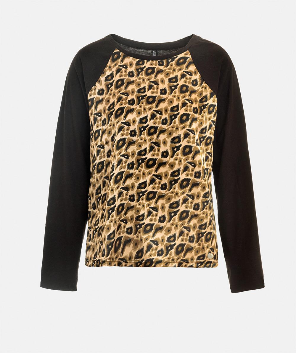 T-shirt with animal print