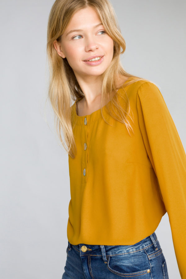 Round Neck Blouse with Buttons